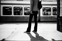 patience (gato-gato-gato) Tags: ch contax contaxt2 iso400 ilford ls600 noritsu noritsuls600 schweiz strasse street streetphotographer streetphotography streettogs suisse svizzera switzerland t2 zueri zuerich zurigo z¸rich analog analogphotography believeinfilm film filmisnotdead filmphotography flickr gatogatogato gatogatogatoch homedeveloped pointandshoot streetphoto streetpic tobiasgaulkech wwwgatogatogatoch zürich black white schwarz weiss bw blanco negro monochrom monochrome blanc noir strase onthestreets mensch person human pedestrian fussgänger fusgänger passant sviss zwitserland isviçre zurich autofocus