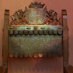 coat of arms chair (msdonnalee) Tags: antiquechair chair coatofarms familycrest woodenchair museum digitalfx walnutandleatherchair sedia silla chaise spain explore