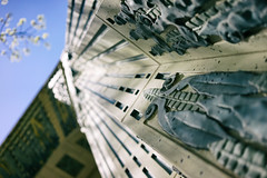 Art deco in detail (Eric Flexyourhead (catching up)) Tags: vancouver canada britishcolumbia bc downtown burrardstreet marinebuilding city urban detail fragment entrance artdeco sky blue clear shallowdepthoffield bokeh sonyalphaa7 zeisssonnartfe35mmf28za zeiss 35mmf28