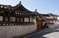 IMG_6753_RAW (jeremy!) Tags: seoul korea southkorea canoneosrebelt1i canon1740mm yeongeondong 연건동