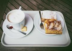 Coffe and Cake (Christian Passi - Steher82) Tags: vsco coffe cake tasse cup kaffee kuchen essen food eat photo photography löffel gabel iphoneography iphone lebensmittel apple apfel backen herz cookie keks