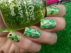 Guga - 779 + Miss Rôse - 39 + JQ-L18 (Barbara Nichols (Babi)) Tags: missrôse verde green greennailpolish greennails glitter jql18 carimbo carimbada nailart nailpolish nails