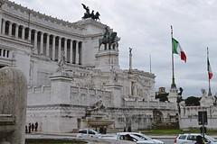 DSC_0132 (zeenat_sumra) Tags: rome roma rom italy italia italien europe vittoriano vittorio emmanuelleii architecture building marble marmor