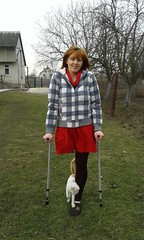 amp-1363 (vsmrn) Tags: amputee woman crutches onelegged