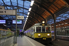PR EN57-1751 , Wrocław Główny train station 10.05.2017 (szogun000) Tags: wrocław poland polska railroad railway rail pkp station wrocławgłówny ezt emu set electric en57 en571751 pr przewozyregionalne train pociąg поезд treno tren trem passenger commuter regio 679310 d29132 d29271 d29273 d29276 d29285 d29763 e30 e59 dolnośląskie dolnyśląsk lowersilesia canon canoneos550d canonefs18135mmf3556is