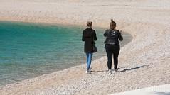 Beach walk in springmood, Primosten, Croatia (KronaPhoto) Tags: 2017 croatia vår spring walk people icecream friends girls mennesker strand sea kroatia primosten lines linjer water