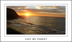 ANZAC DAY 25-04-2017 (Say HI hiskens images) Tags: piecesofaustralia anzac anzacday2017 anzacs australia lestweforget ocean crowd rememberance respect dignity sky sea sunrise hiskens