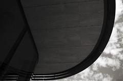 Poupe (Atreides59) Tags: black white noir et blanc noiretblanc blackandwhite nb bw rhone rhône lyon confluence ciel sky nuages clouds up buildings architecture pentax k30 k 30 pentaxart atreides atreides59 cedriclafrance