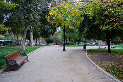Parque Forestal (Genesis Muñoz) Tags: parqueforestal park place stgo chile santiago centrico otoño tonos green verde banca madera day