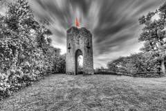 Tour du Castela 04 (Robinl81) Tags: nb black white hdr castel chateau ruine ruined brique brick monochrome tour tower