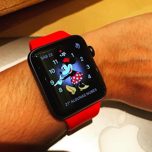 Manilla roja para #Apple #Watch de 38' y 42'. Disponible ya en @compudemano #cadadiamejor. Visita nuestra tienda o llámanos Bogotá: (1) 381 9922 - Medellín: (4) 204 0707 - Cali (2) 891 2999 - Barranquilla: (5) 316 1300 - Pereira: (6) 335 9494 - Celular/Wh