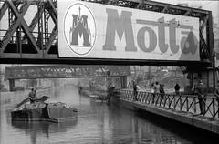 San Cristoforo - Via Lodovico il Moro all'altezza del ponte ferroviario sul Naviglio Grande - 1970 (Milàn l'era inscì) Tags: urbanfile milanl'erainscì milano milan oldpicture milanosparita vecchiefoto san cristoforo