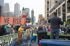 Climate March Minnesota pauses to listen to speakers (Fibonacci Blue) Tags: minneapolis mpls climate protest march demonstration event solidarity dissent outcry outrage twincities minnesota crowd people earth donaldtrump putin trump activist activism ecology ecological