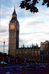 134_36_28_08_1987_London_ice_roc1_gem1_dee50 (bromand) Tags: london vintage asahipentaxspotmatic pentaxspotmatic nostalgicmemories nostalgic memories scan slide nikon coolscan ved nikoncoolscanved coolscanved