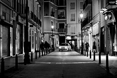 Night city (Daniel Nebreda Lucea) Tags: night noche city ciudad travel viajar old antiguo viejo light lights luces luz car coche black negro white blanco monochrome monocromo composition composicion dark oscuro darkness oscuridad life vida nocturna long exposure larga exposicion urban urbano street calle building edificios canon 60d 50mm alley people gente zaragoza spain españa europe europa aragon shadows sombras atmosphere atmosfera noir