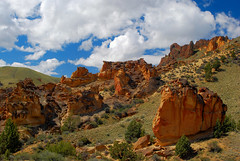 Earth & Sky (Talo66) Tags: lesliegulch spring landscapes scenery scenics highdesert desert nature rocks clouds owyheedesert hiking oregon junipers junipergulch volcanic geology wilderness outdoors