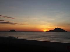 early morning (bp.oliveiras) Tags: sunrise sun beach ocean mountain atlantic brazil rio orange sky morning waves