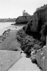 Stair to sea - Otranto (pierocarrozzo) Tags: praktica tl 1000 ilford hp5 400 800 salento italy italia pellicola film photography otranto sea mare