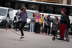 Longboard tricks across the street from The Louvre, Paris (Lorie Shaull) Tags: longboard thelouvre skateboarding france paris skateboardtricks