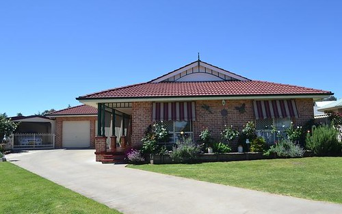 12 Libani Close, Inverell NSW 2360