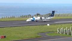 Bombardier Dash 8 approaching Horta 170616_025 (jimcnb) Tags: 2017 juni urlaub azoren azores açores faial horta airport castelobranco bombardier dash 8 cstrf film video sata