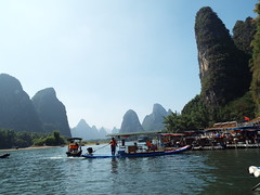 DSCF0847 (Romane Licour) Tags: cruise smallboat stones mountains liriver china river beauty xingping