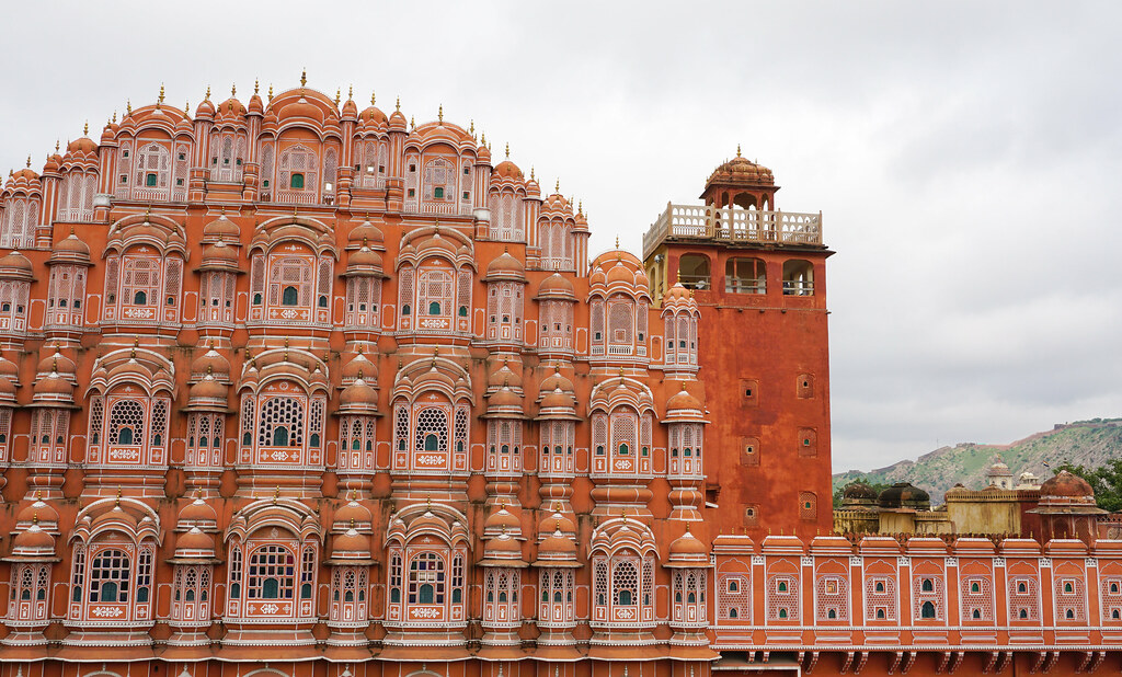 an evaluation of the hindu castle system All societies have some sort of social class system in which people are classified based on education, culture, and income levels in ancient india, such a system was inspired by hindu scriptures and implemented as a way to create a society in which all essential functions were addressed and all .