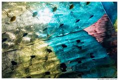 Flying Apart (Matías Brëa) Tags: feria atraccion agua water reflejo reflection color