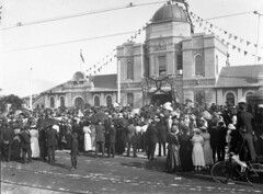 Visitors at the entrance gates, opening of Taronga Zoological Park (State Library of New South Wales collection) Tags: statelibraryofnewsouthwales sydney harbour views zoos taronga architecture buildings