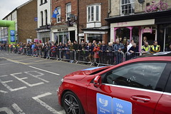 Tour De Yorkshire Stage 2 (712) (rs1979) Tags: tourdeyorkshire yorkshire cyclerace cycling racedirection tourdeyorkshire2017 tourdeyorkshire2017stage2 stage2 knaresborough harrogate nidderdale niddgorge northyorkshire highstreet