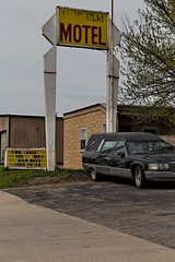 Free cable and WiFi (TwinCitiesSeen) Tags: newulm minnesota twincitiesseen canon6d tamron2875mm hearse hotel