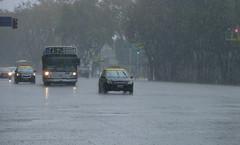 Diluvio (Javo_Romero) Tags: urban rain lluvia buenosaires 152 colectivo bus libertador chuva