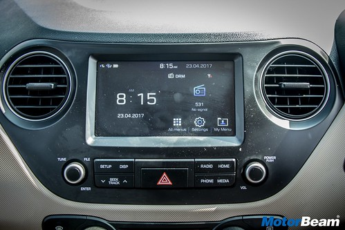 2017-Hyundai-Xcent-15