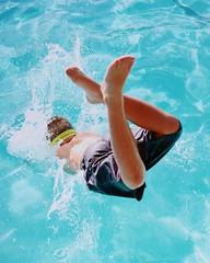 (emmeffess) Tags: bright rniflashback rnifilms splash action boy kid diving blue pool swimming water