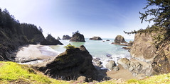 A Little Secret (gwendolyn.allsop) Tags: ocean pacific secret beach oregon south blue water pnw sunshine sand panorama d5200