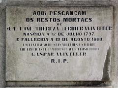 Lisboa (isoglosse) Tags: lisboa lissabon lisbon portugal cemitériodosprazeres grab tomb jazigo serif sansserif cedille cedilla cedilha tilde til