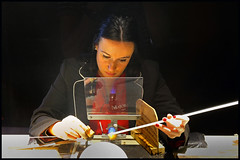 Making Majorica Pearls (www.nielsdejgaard.dk) Tags: mallorca mennesker folk people majorica perler pearls woman worker kvinde arbejder majoricaespana portochristo