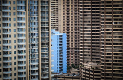 Ασφυξία (suffocation) (Rabican7) Tags: hawaii waikiki oahu honolulu suffocation skyscrapers highrises building architecture concrete jungle
