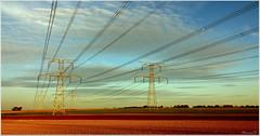 Lumière électrique... (Nanouch@) Tags: paysage landscape paisaje lumière light luz couleurs colors colores clarté électricité crépuscule sunset crepusculo