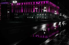 Prédio do Shopping Light, Viaduto do Chá, Centro de São Paulo (Luiz Leite7) Tags: brilho luz vermelho portas calçada prédios pessoas ruas grades escadas teto concreto noite sacada letras vidros vidraças edificios estatuas varanda linhas sãopaulo brasil