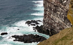 latrabjarg colors (1) (kexi) Tags: iceland europe latrabjarg colors rocks steep cliffs nature wild rough north blue water ocean atlanticocean view landscape paysage waves canon may 2016 nestinggrounds coast shore birds many instantfave turquoise