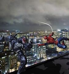 Spidey vs Venom (taker-hey) Tags: revoltech toy yamaguchi kaiyodo battle barrle epic night fight spiderman marvel venom