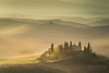 A9905225_s (AndiP66) Tags: villabelvedere villa belvedere sanquiricodorcia sanquirico dorcia zypressen cypresses zypressenstrasse cypressstreet sonnenaufgang sunrise nebel dunst fog mist sonne sun morgen morning april spring frühling 2017 valledorcia valle toscana tuscany italien italy sony alpha sonyalpha 99markii 99ii 99m2 a99ii ilca99m2 slta99ii tamron tamronspaf70200mmf28dildif tamron70200mm 70200mm f28 amount andreaspeters