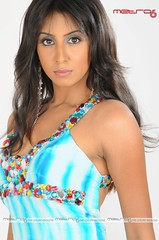 South Actress SANJJANAA Hot Exclusive Sexy Photos Set-25 (20)