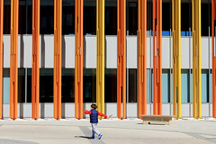 Colors of the day (Daniel Nebreda Lucea) Tags: boy kid chico niño color colors colores composition composicion architecture arquitectura modern moderno pattern patron lines lineas city ciudad street calle urban urbano canon 50mm 60d structure estructura people gente contrast contraste play playing jugar jugando motion movimiento zaragoza expo spain españa europe europa