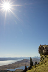 """Sun-flooded """"Old Man of Storr"""" (Niklas FliNdt) Tags: old man storr highlands scotland isle skye sun sky blue no clouds noclouds attraction sightseeing sight mountain hiking outdoor travel roadtrip island ocean atlantic high sunny bright"""