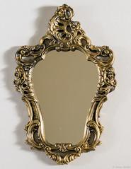 A mirror. Without reflex? (Rapha777) Tags: mobília vintage envelhecido aged antique casa interior decoração