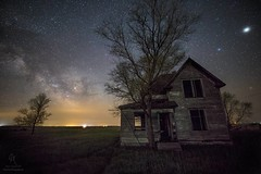 """""""Drops of Jupiter"""" Milky Way rising, Saturn, Antares, abandoned house, Spica, Jupiter... It's all there. Enjoy!  HomeGroenPhotography.com  Canon EOS 6D EF 16-35mm f/2.8 L III USM @ 30s f2.8 6400iso 16mm  #milkyway #astrophotography #Jupiter #Saturn (HomeGroenPhotography) Tags: instagramapp uploaded:by=instagram milkyway astophotography astronomy galaxy stars jupiter saturn greatrift"""
