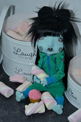 Stealing sweets (Mientsje) Tags: humpty dumpty nefer kane circus bjd ball jointed doll artist green blue egg cute sweet gothic