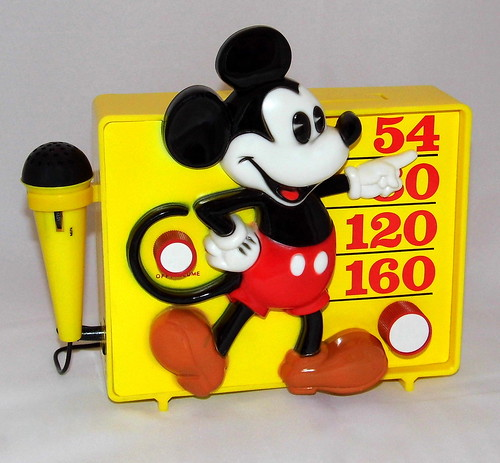 353f0c40a6408 Vintage Mickey Mouse Sing-A-Long Novelty Transistor Radio By Concept 2000